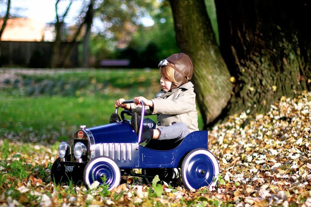 ペダルカー 乗用玩具